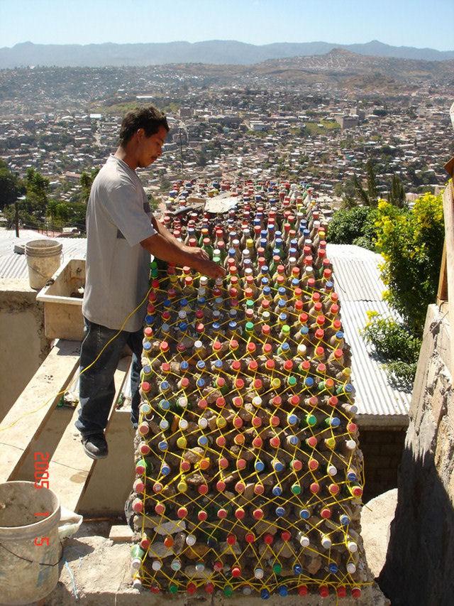 Заборчик из пластиковых бутылок своими руками